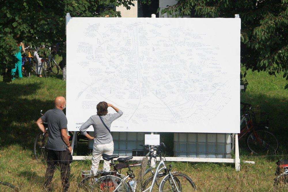 ATLAS VAN NIJMEGEN-NOORD - Hoe wordt de identiteit van een nieuw gebied gevormd?Jan Rothuizen maakte een atlas van het veranderende gebied van Nijmegen-Noord.