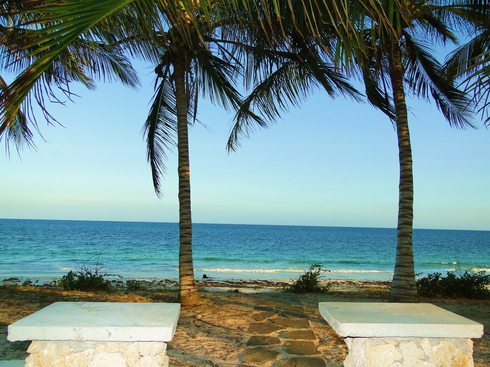 View to beach from pool.JPG