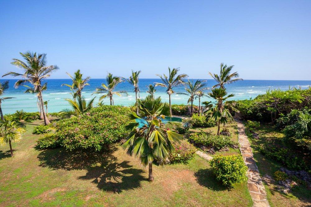 Senang - BeachSleeps 8 (up to 12*)KES 28,000 to 35,000 per day