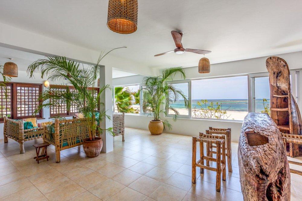 Tequila Sunrise Beach Cabana - Diani (Galu) beachsleeps 4 paxkes 20,000 per day