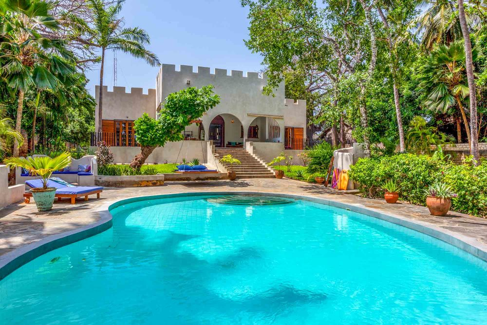 Marula Beach House - diani beach (galu)sleeps 6 paxfrom kes 60,000 per day (B&B)*air-conditioned*