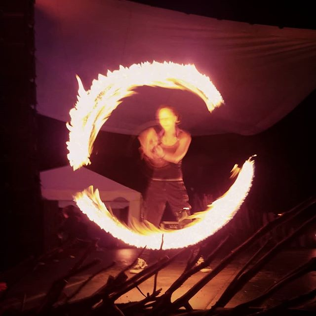 Some amazing work by @runitslittlewolf and @hypnoticflux @unifier_festival #unifierfestival #fire #dance #firedancer #dragon #longexposure #spinning