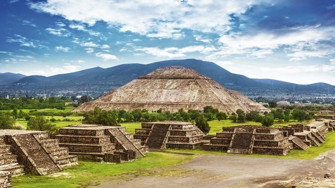 teotihuacan-pyramids.jpg