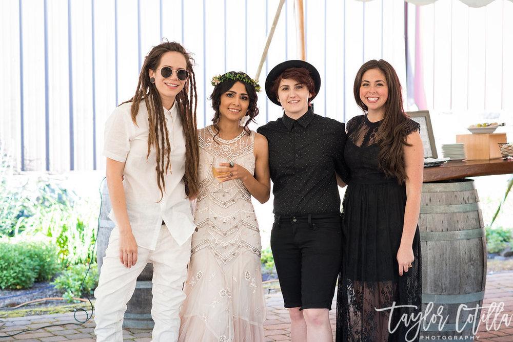 wedding-friends-besties-vineyard-black-white