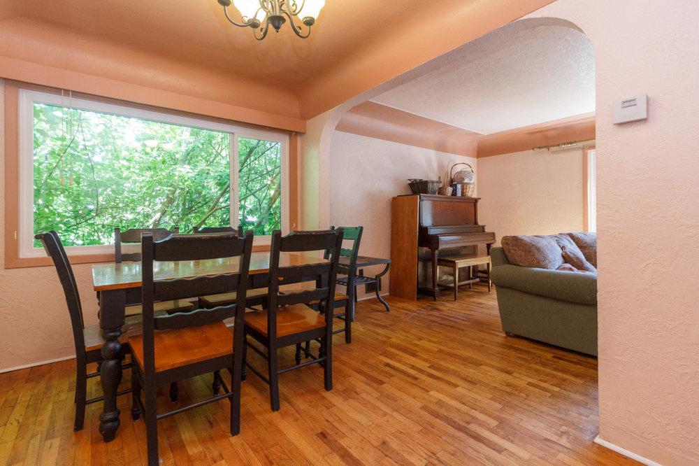 08-dining-room.jpg