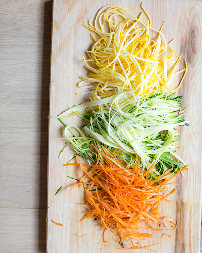 cold soba noodle salad with raw veggie noodles + a spicy sunflower ...