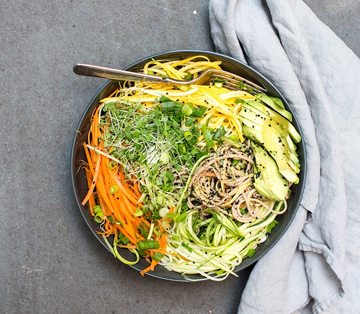 COLD SOBA NOODLE SALAD + RAW VEGGIE NOODLES + A SPICY SUNFLOWER SAUCE