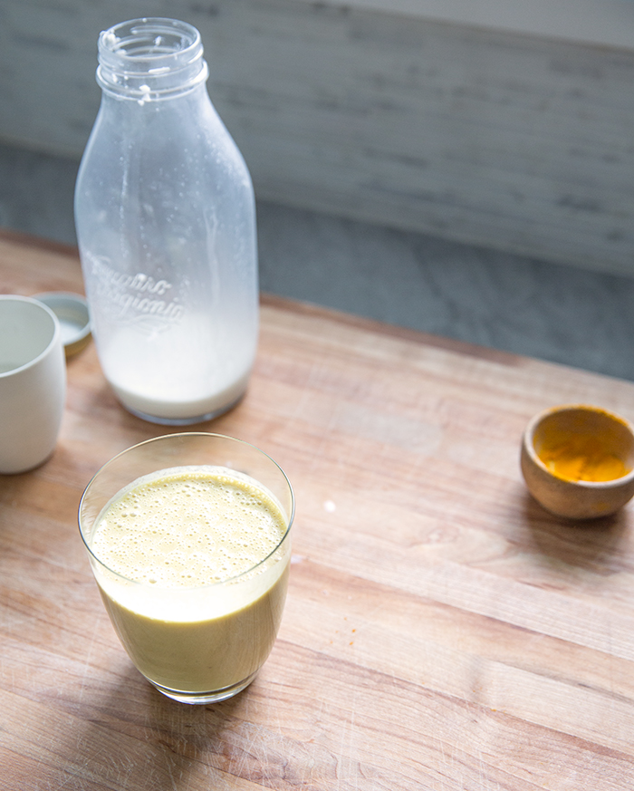 turmeric smoothie + homemade hemp milk | what's cooking good looking