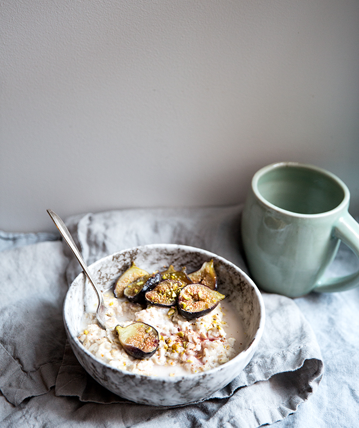 horchata oats with pistachios + roasted figs | what's cooking good looking