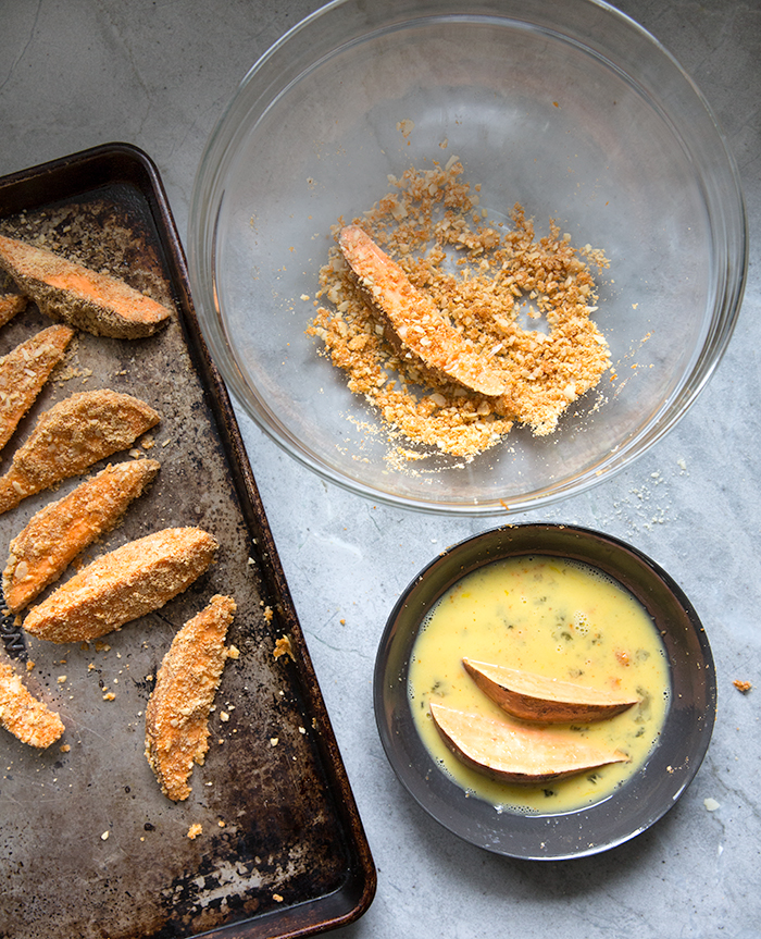 almond crusted sweet potato tenders + mint and pistachio chutney | what's cooking good looking