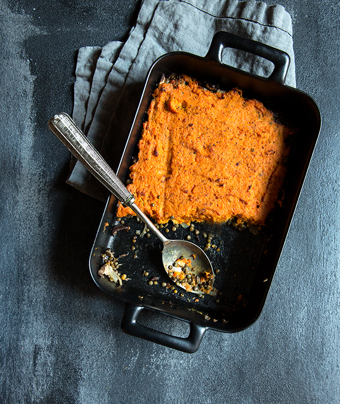 veggie shepard's pie with a curried sweet potato + carrot crust | what's cooking good looking
