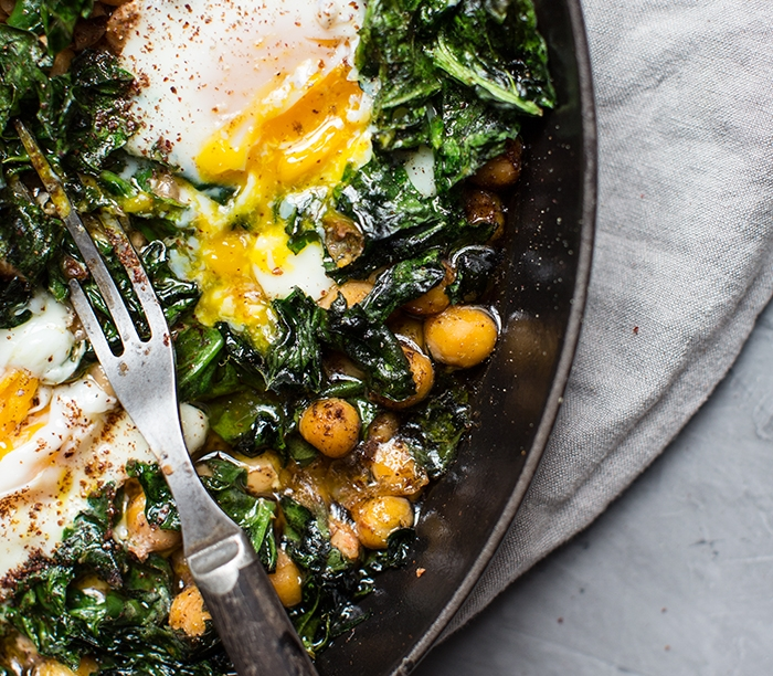 olive oil baked chickpeas with eggs + spinach + sumac