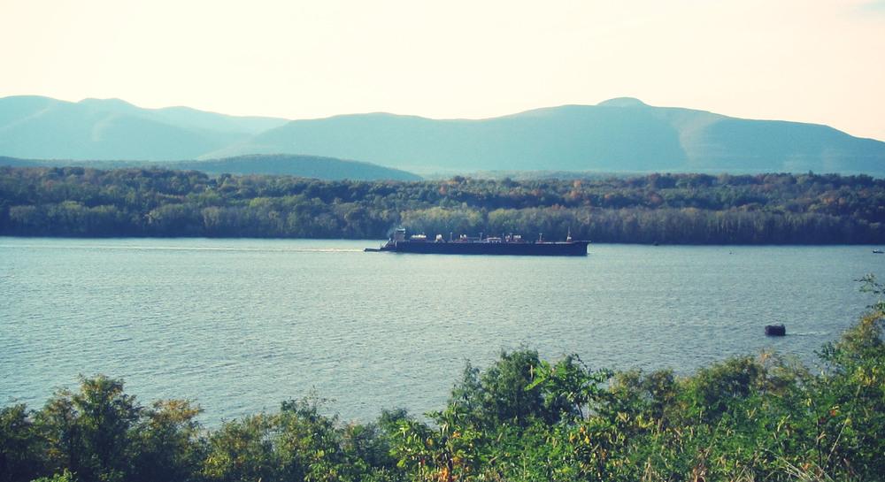hudson river barge.jpg