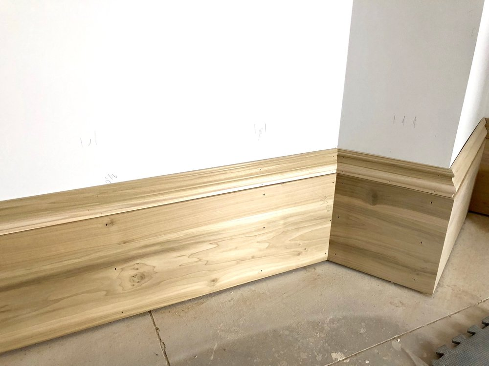 An up close peek at these beautiful, bold baseboards.