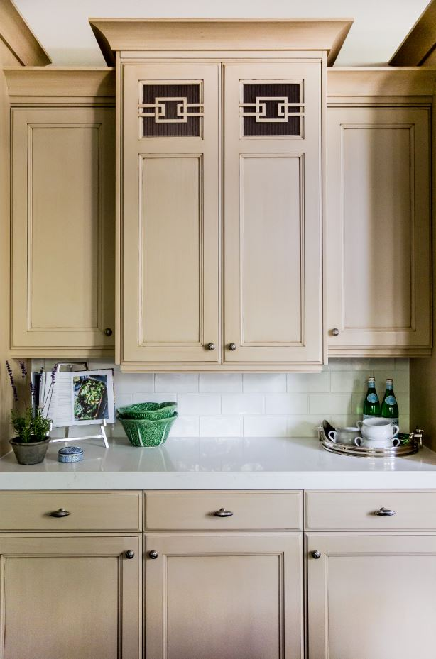 Aren't these cabinets with this beautiful wood detail just amazing? They are totally timeless, as is the white subway tile.