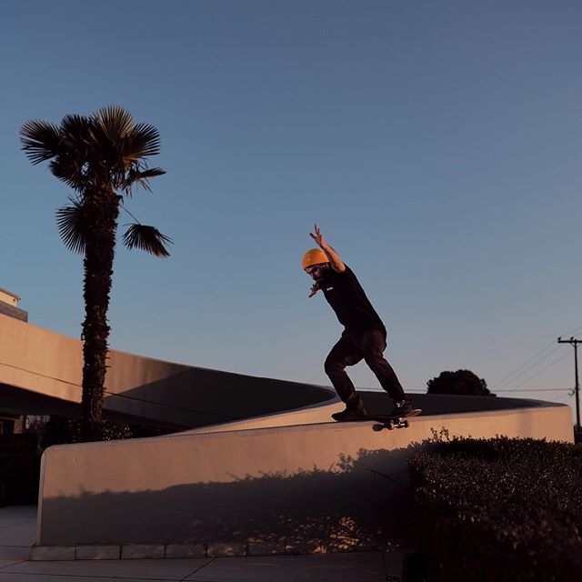 The final shot / boardslide down the ramp / late afternoon / good session. Check the video post.  Am happy to have made the photo u had in my mind for a while now. #skateboardingisfun #streetsession #owlstreetapparel #fujifilmxseries #palmtrees #fujilove #fujifilmxpro2