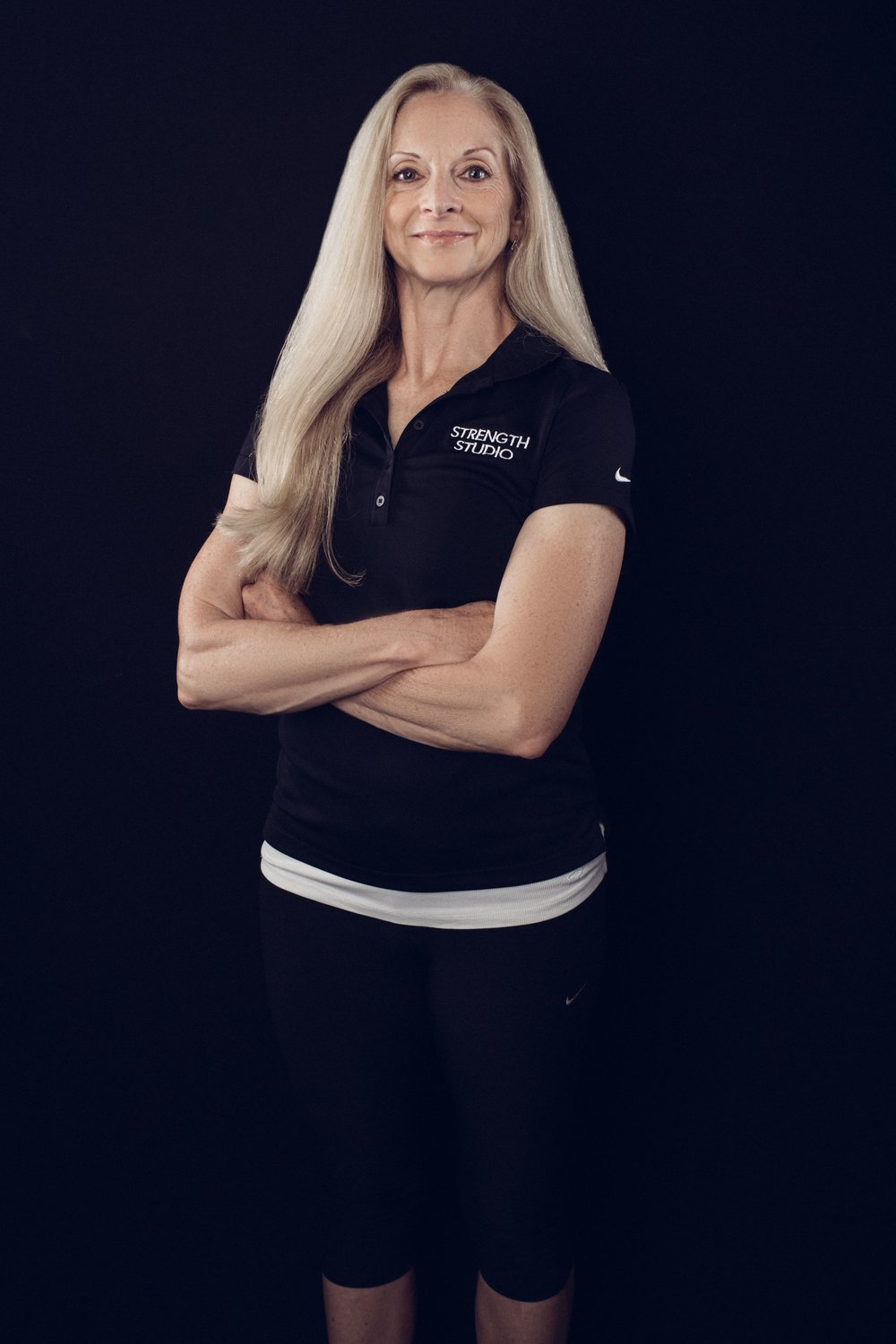 Gwen Robbins Personal Trainer Functional Range Conditioning, FRC certified Poliquin Biosignature Modulation, Level 1 Certified Personal Trainer, CIAR Holistic Lifestyle Coach Level 1, Chek Institute Competitive Endurance Athlete
