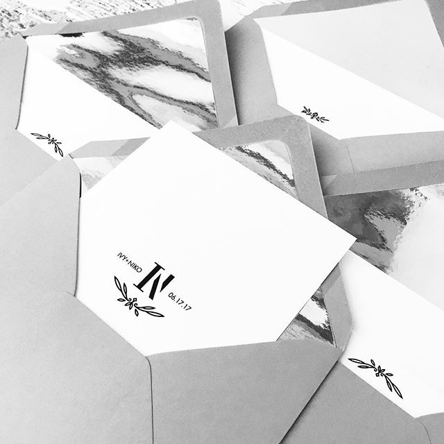 Contemporary lustre. 🖤 These mirror liners were perfection and had me like 🤓. • • • • #ivyandink #envelope #stationery #weddingdetails #wedding #weddingstationery #invitations #weddinginvitations #print #logo #monogram #vector #icon #styling #maker #design #graphicdesign #neutrals #grey #silver #invitationsuite #invitation #bespoke #bespokewedding #customcrest #weddinginvites #stationerydesigner#bridebook