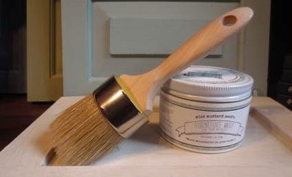 Medium Wax or Paint Brush
