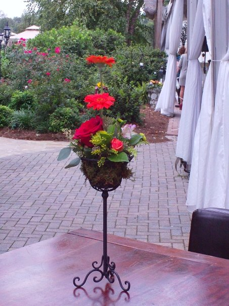 One Tier Wrought Iron Basket Stand