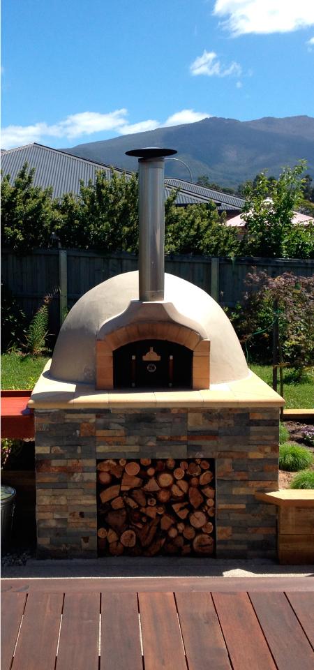 Peter-Kerstan-Pizza-Oven.jpg