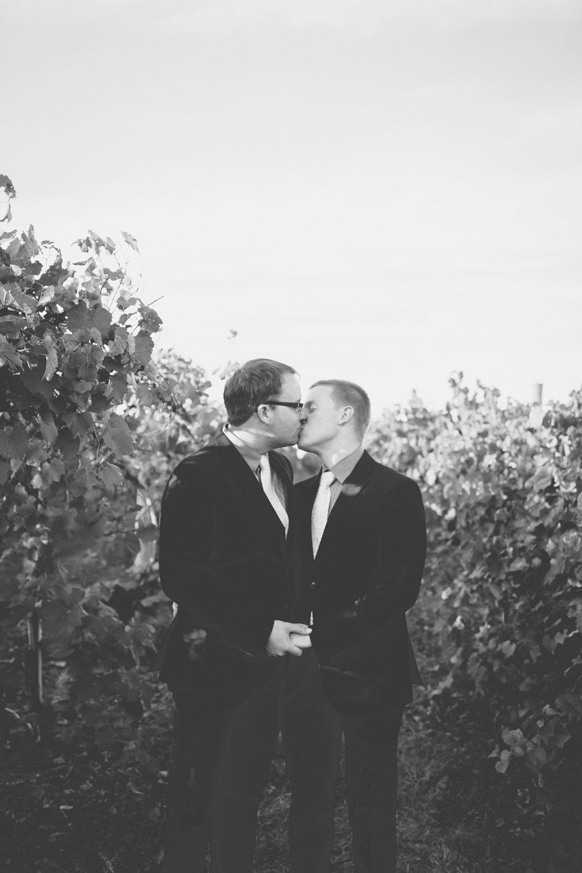 gay iowa wedding photographer