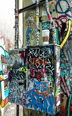 Graffiti24-0501_web.jpg