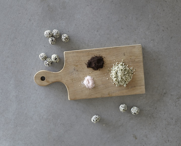goodbites-how-to-make-hemp-milk-raw-truffles-4.jpg