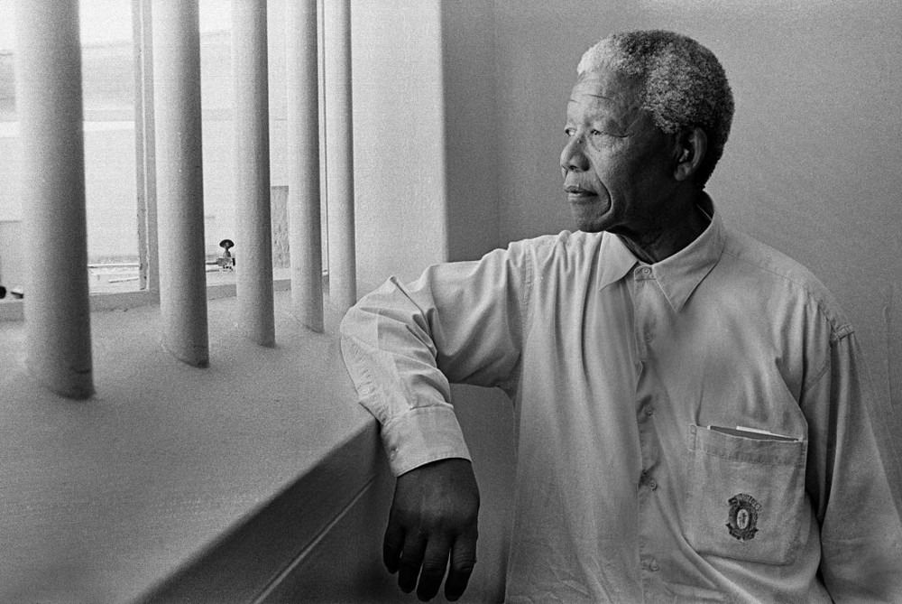 Nelson Mandela in prison. Photo by Jürgen Schadeberg.