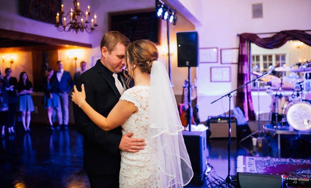 ashley_vos_seattle_ wedding_photographer_0203.jpg