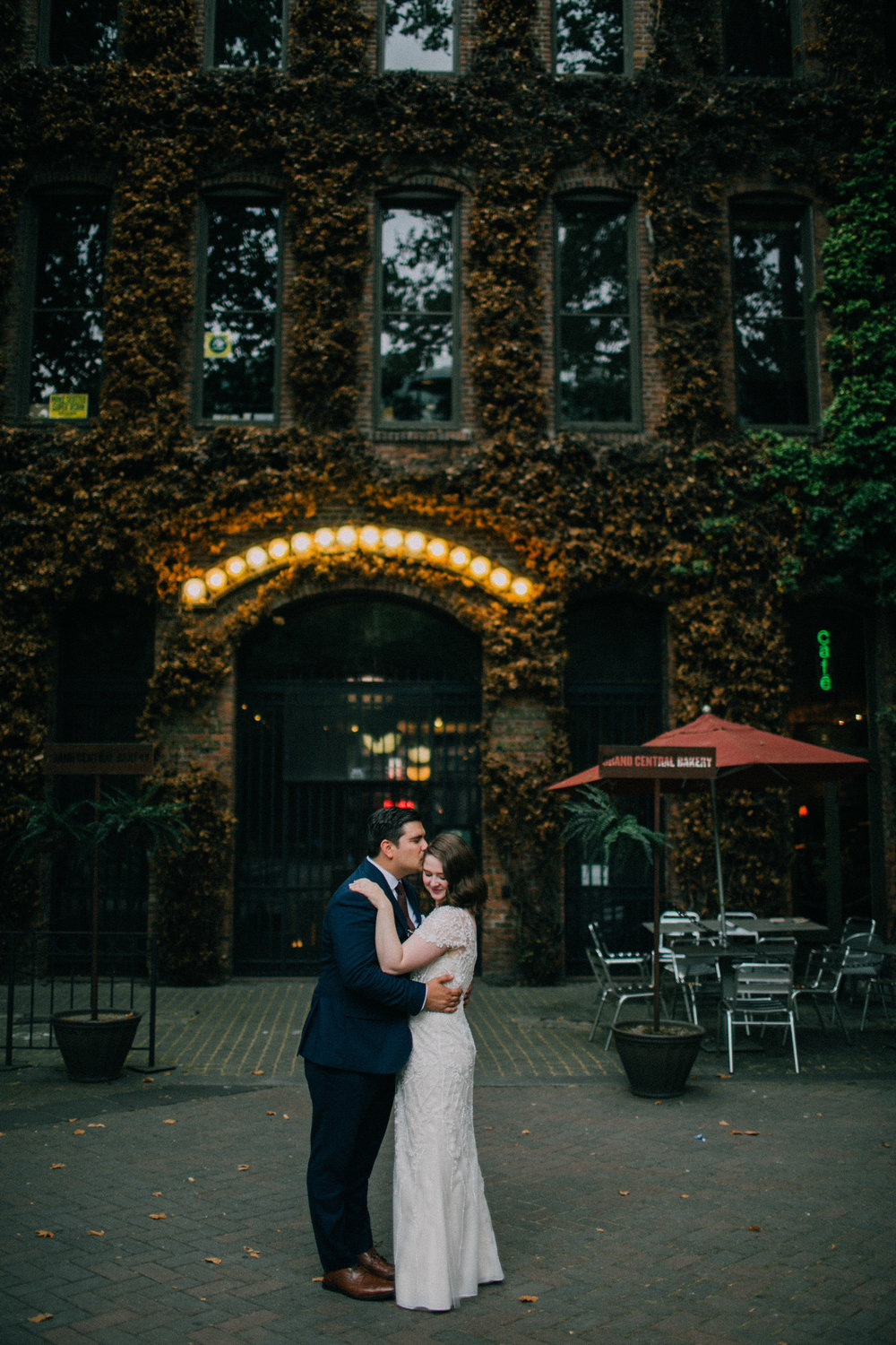Hannah David Intimate Seattle Courthouse Wedding With