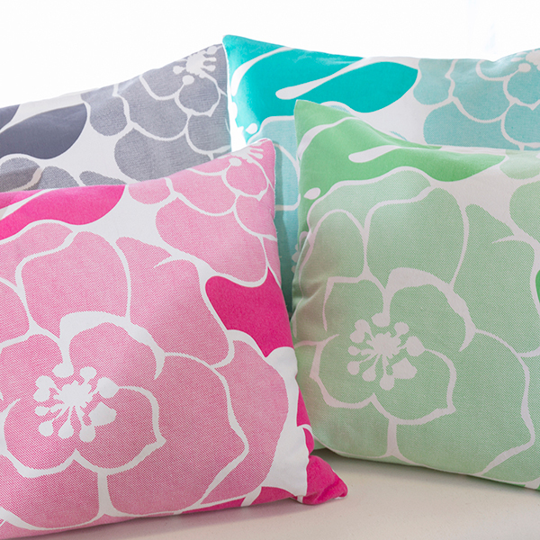 Bold-Print-Throw-Pillows1-600.jpg
