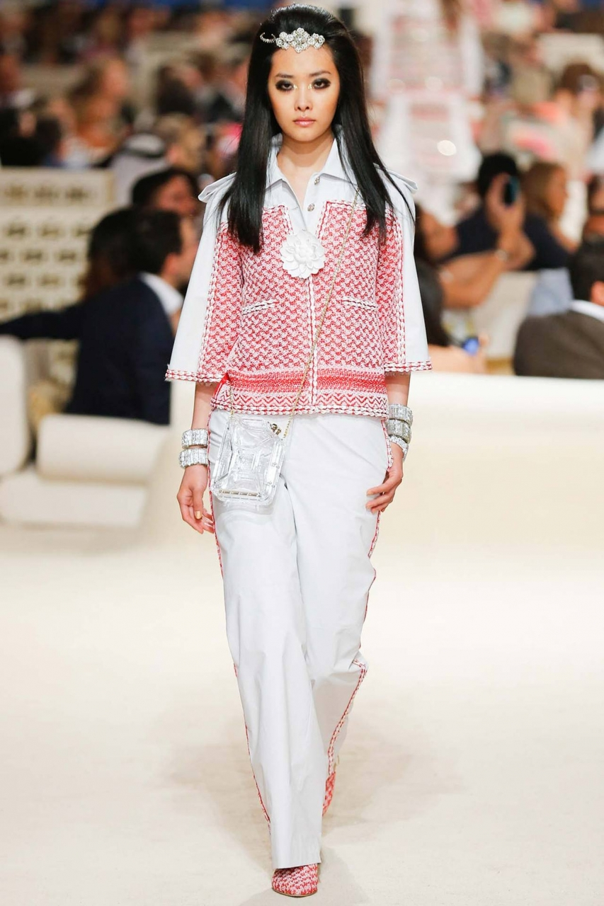 Chanel Cruise 2015 - via Vogue Russia