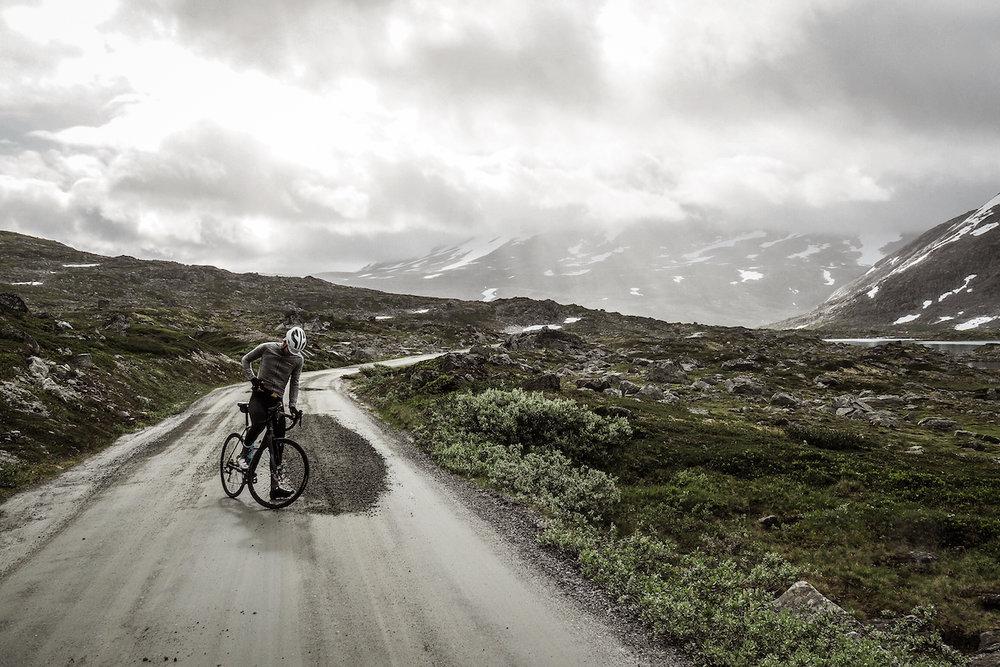 Gamle Strynefjellsvegen - Den gamle vegen over Strynefjellet har tålt tidens tann i 100 år og blitt nasjonal turistveg.Se Gamle Strynefjellsvegen her →
