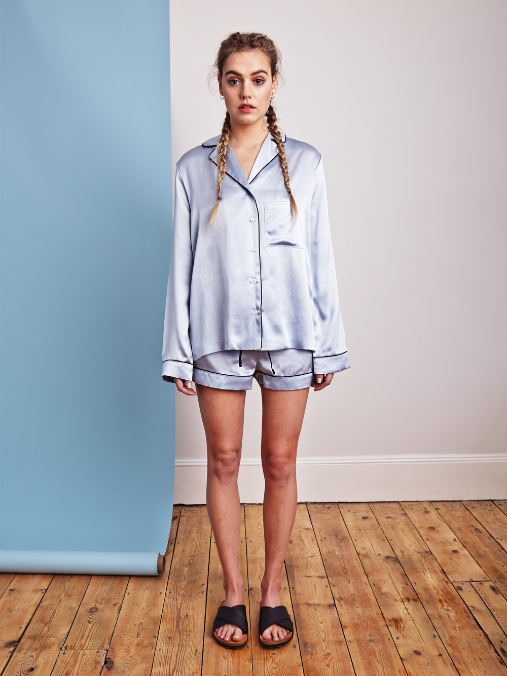 YOLKE Powder blue silk pajamas