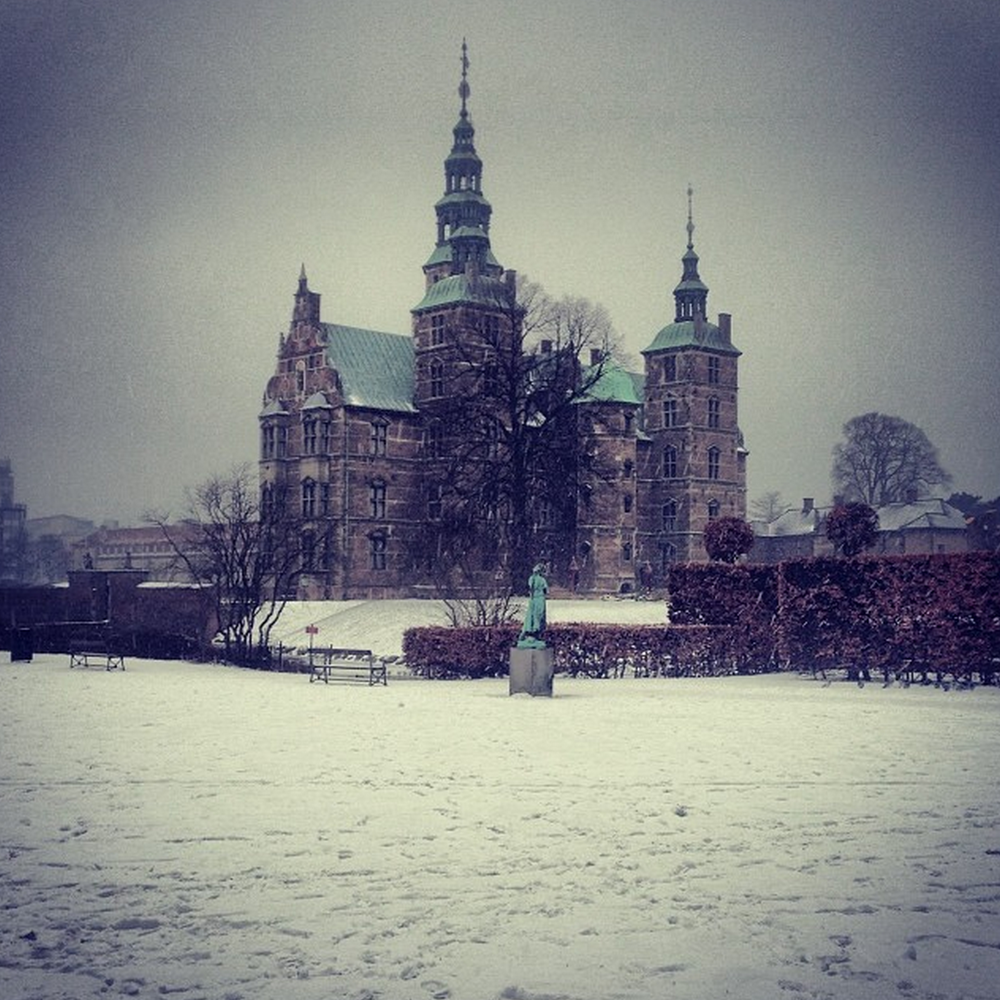 I went for a walk to Rosenborg Castle, shortly before getting covered in snow!