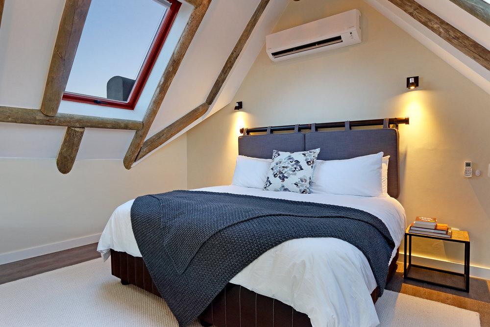 03 Skaaphouse owners bedroom.jpg