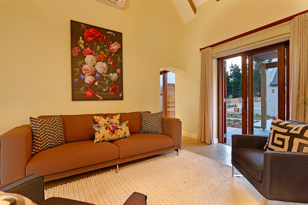 12 Skaaphouse Lounge 1.jpg
