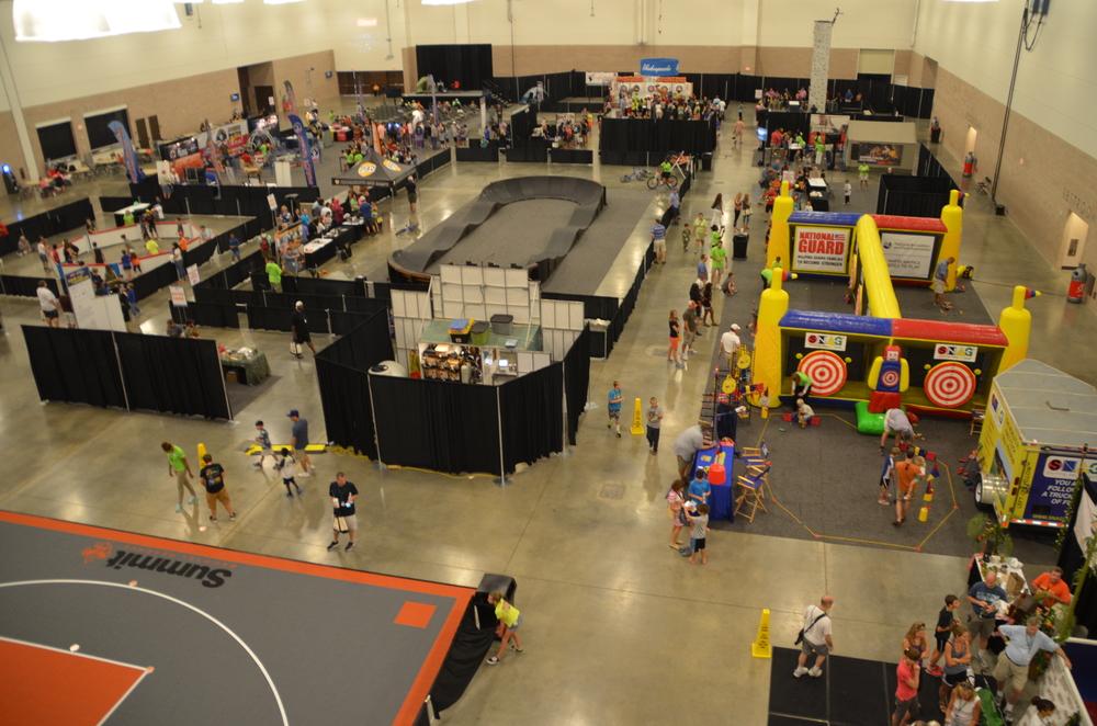 boy-scouts-family-adventurefest-aerial-show-floor