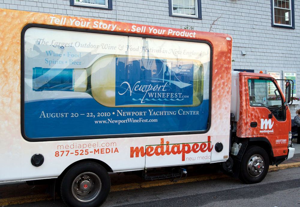 marketing-mobile-ad-on-truck