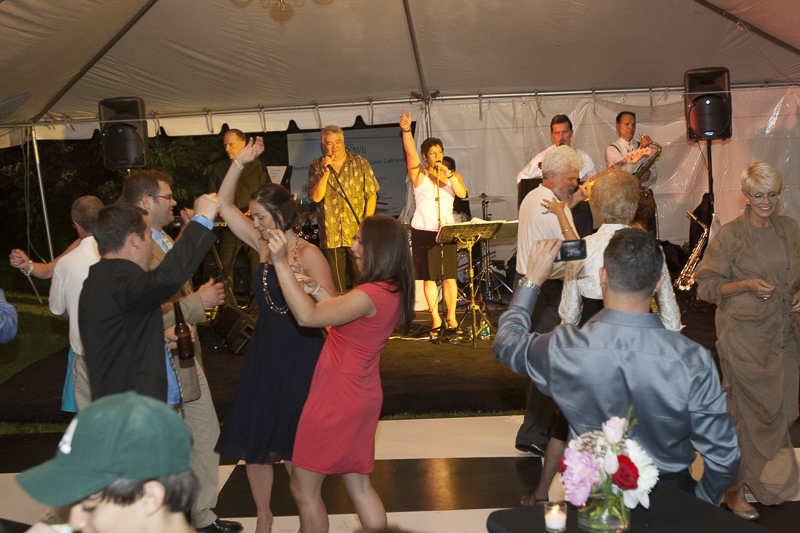 best-of-hartford-party-live-band-dancing