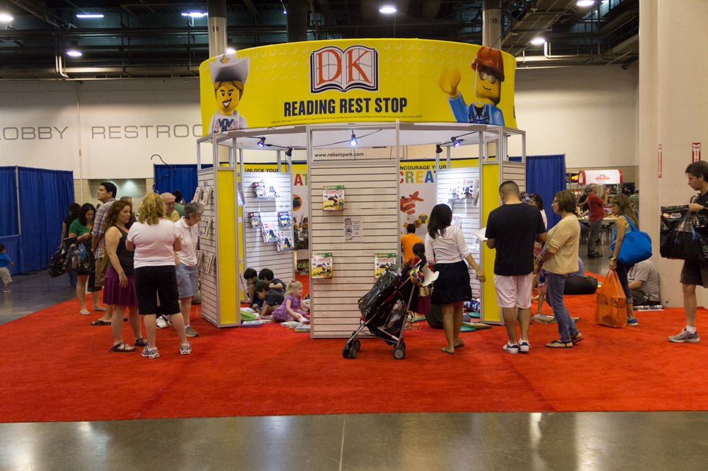 dkpublishing-reading-rest-stop-booth