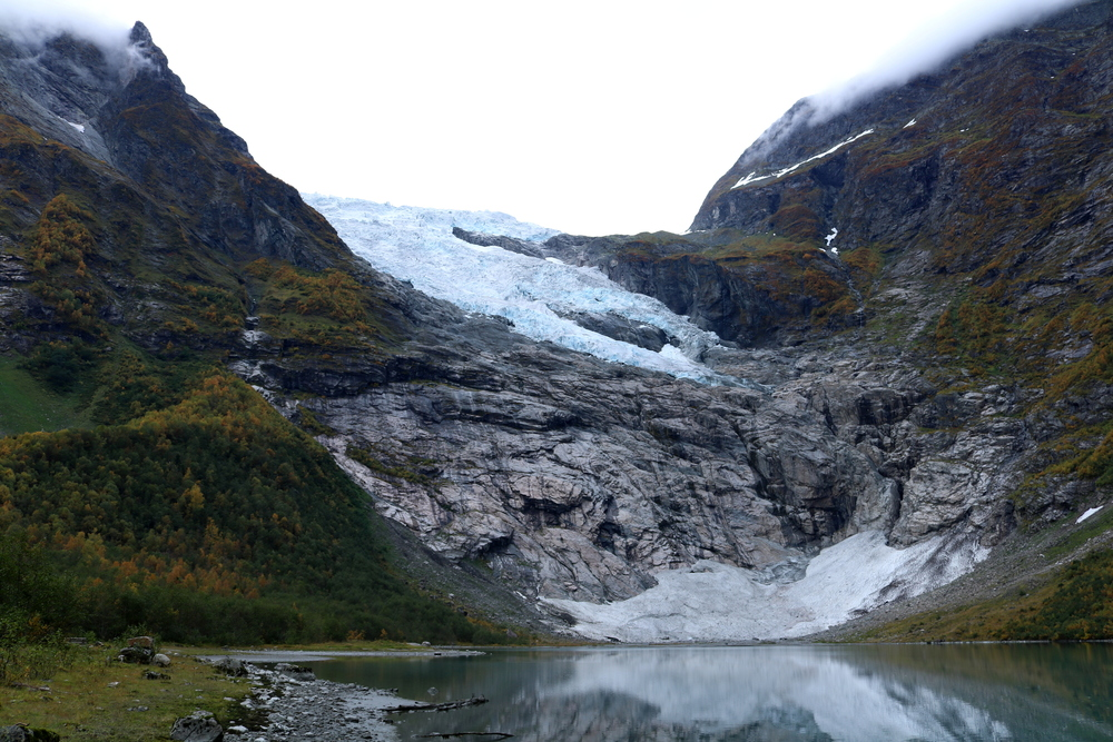 Bøyabreen i Fjærland oktober 2015. (foto: Pål Gran Kielland).