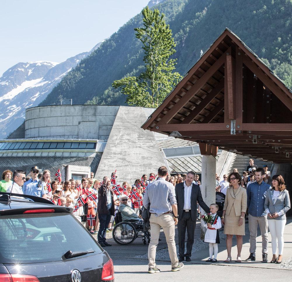 Bilete frå feiringa av 25-års jubileet der H.K.H. Kronprins Haakon vitja oss.