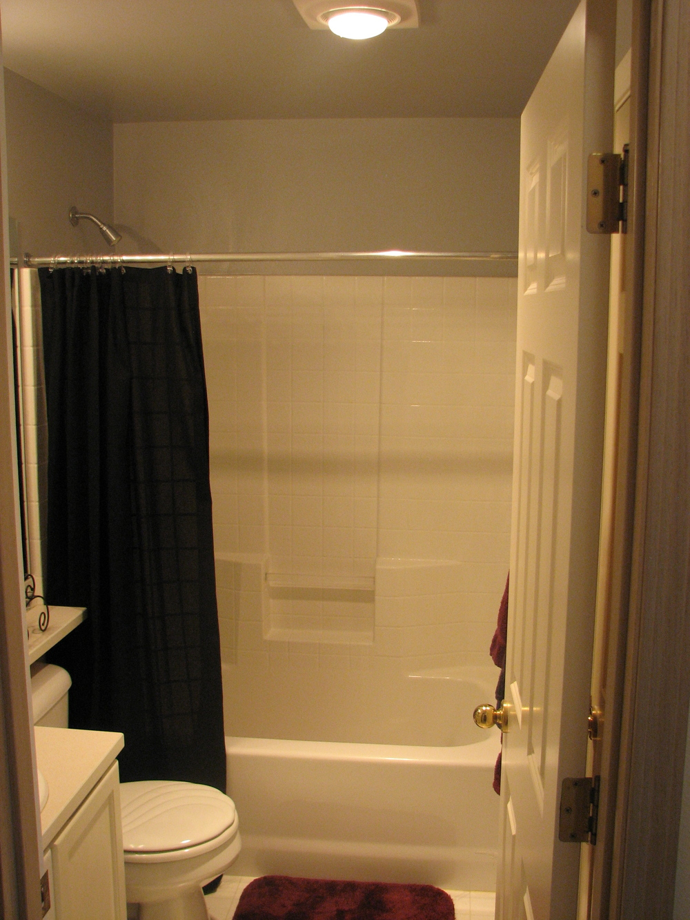 Full Bath.jpg