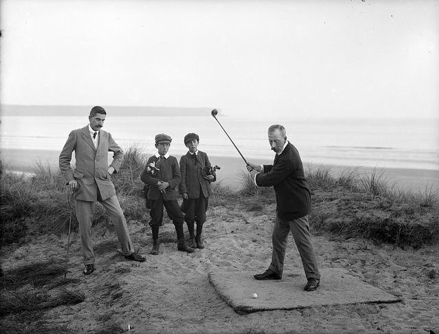 men-dads-golfing
