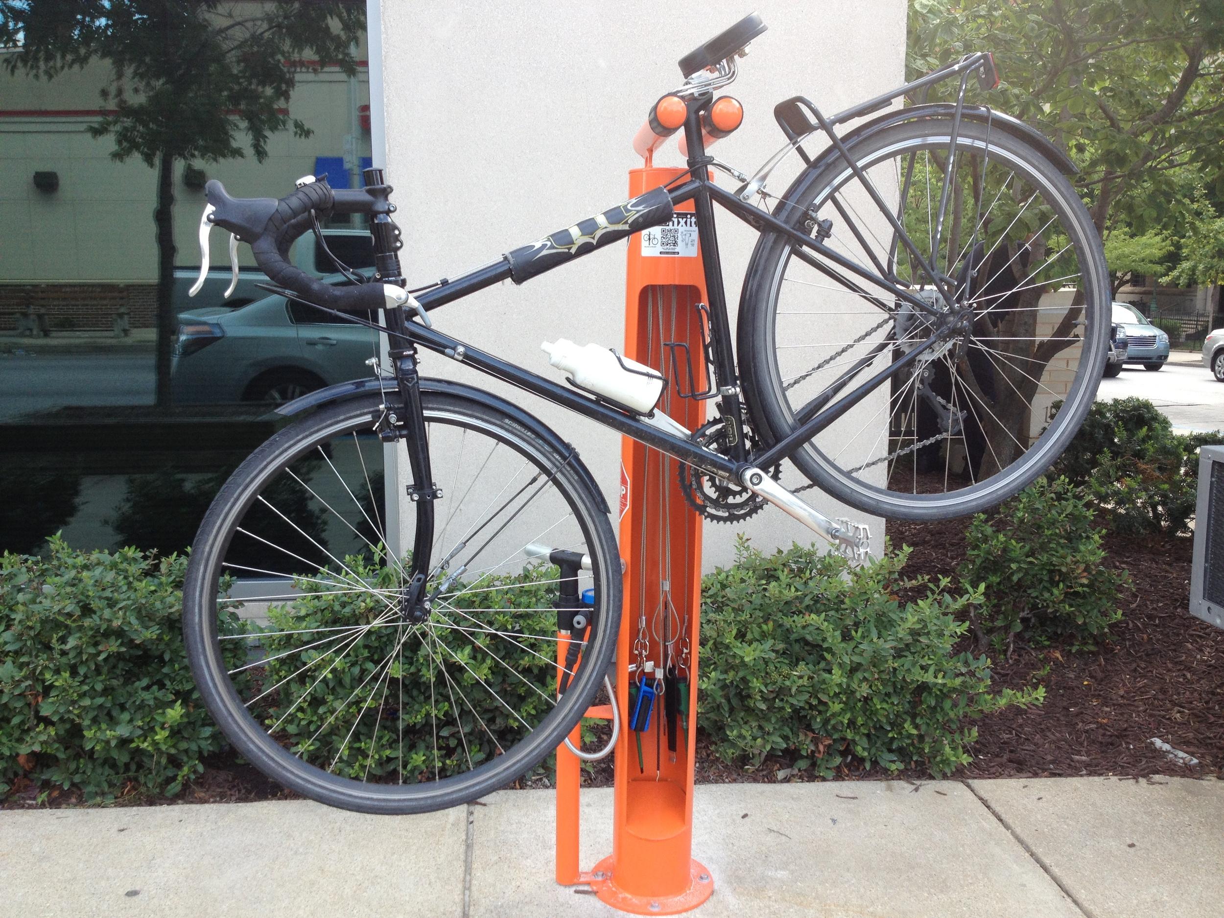 Hopkins Installs Bike Repair Stand — Bikemore c4c9bc964e862
