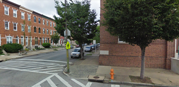 Signalized intersection without pedestrian crossing signal at Maryland Avenue at 27th Street.