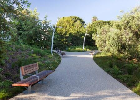 Custom teak benches are located throughout Tongva Park
