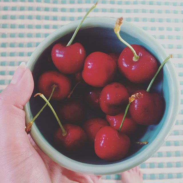Savoring the last bit of this lovely summery weekend 🍒